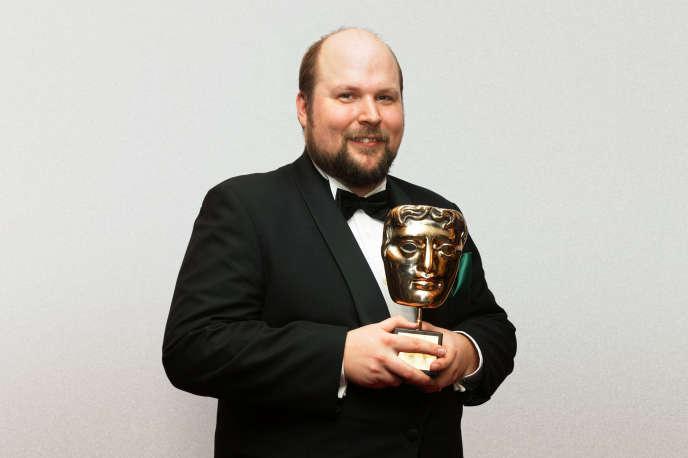 Markus Persson (ici, en 2012,  au GAME British Academy Video Games Awards, à  Londres) a revendu Mojang, sa société, à Microsoft pour  2,5 milliards de dollars en 2014.