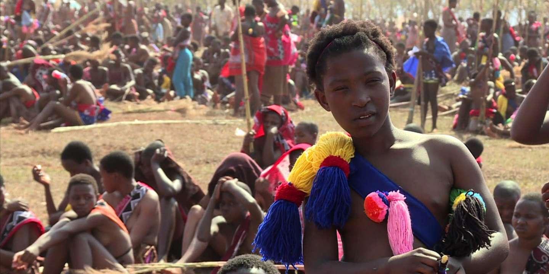 marques reconnues code promo meilleure vente Swaziland: des femmes vierges participent à la Danse des Roseaux