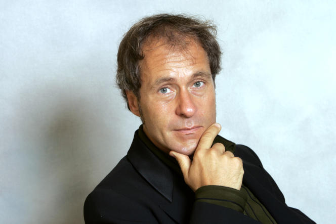 Le réalisateur autrichien Hubert Sauper lors d'une conférence à la Sorbonne à Paris, en octobre 2006.