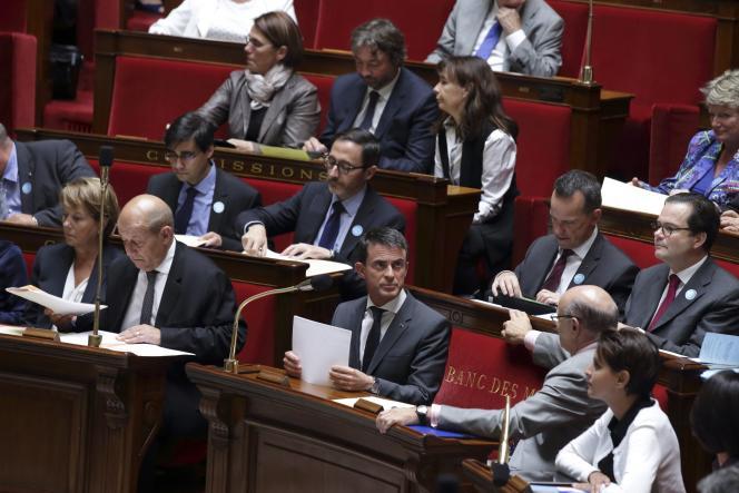 Mardi 15 septembre, Manuel Valls a défendu devant l'Assemblée la décision de François Hollande d'étendre les frappes françaises contre l'organisation Etat islamique au territoire syrien, dans le cadre de la coalition internationale dirigée par les Etats-Unis.
