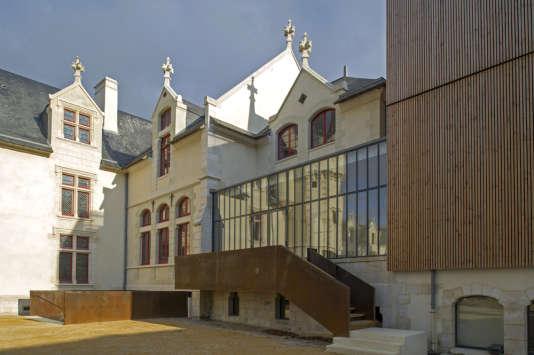 L'ancien hôtel du président Tyndo à Thouars  devenu conservatoire de musique et de danse.