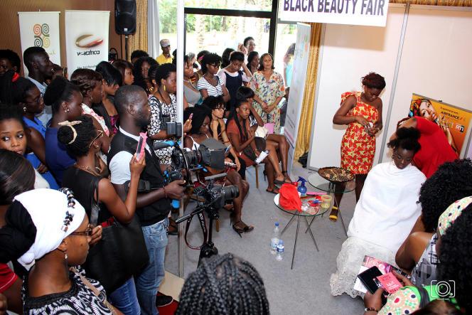 Démo coiffure, Black Beauty Fair. Abidjan 2015
