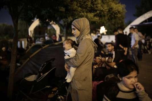 Le Haut Commissariat des Nations unies pour les réfugiés estime à près de 600 000 le nombre de migrants entrés depuis le début de l'année dans l'UE par la Méditerranée, dont 450 000 à travers la Grèce.