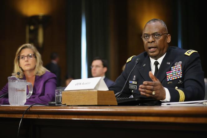Le général Lloyd Austin et la sous-secrétaire à la défense, Christine Wormuth , face à la commission des forces armées du Sénat.