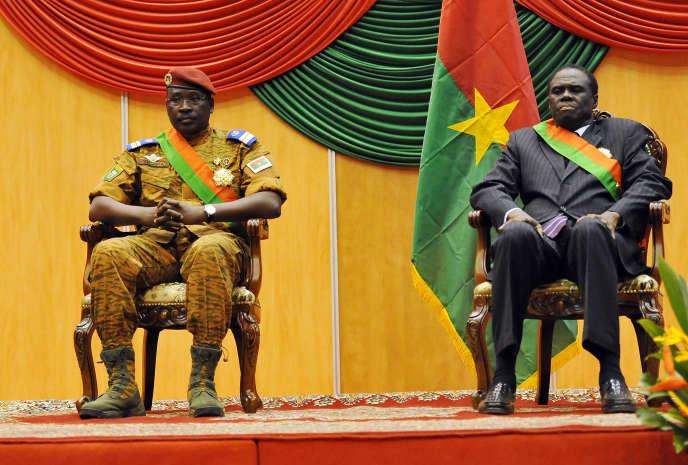 Le président par intérim, Michel Kafando, et son premier ministre, Isaac Zida, en novembre 2014 à Ouagadougou.