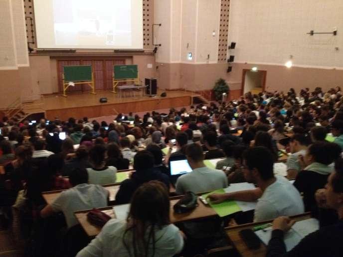 Amphithéâtre de l'université Paris-V.