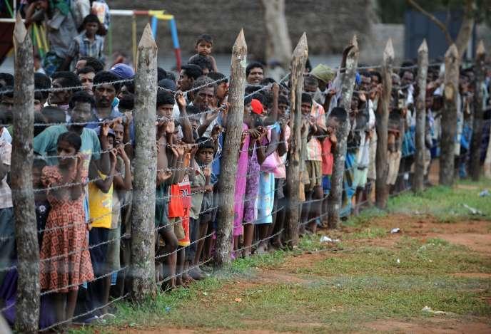 Des déplacés sri-lankais, en avril 2009.