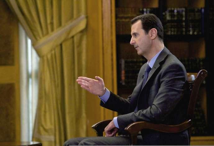 L'Iran «nous envoie des équipements militaires et, bien sûr, il y a un échange d'experts militaires entre la Syrie et l'Iran», affirme Bachar Al-Assad –ici le 4 mars 2015.