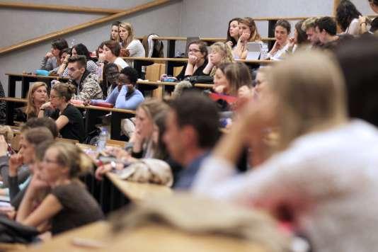 Thierry Mandon proposera dans les prochains jours un décret encadrant la sélection à l'université.