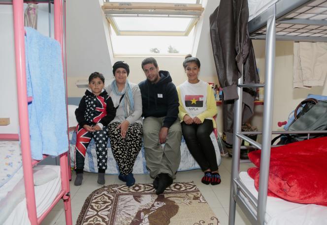 Une famille de réfugiés irakiens accueillis à Cergy, dans le Val-d'Oise.