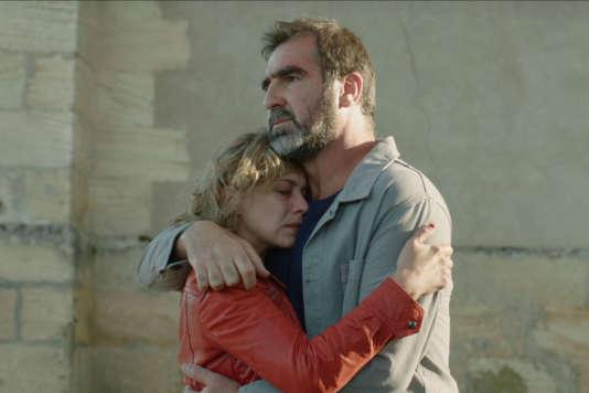 """Céline Sallette et Eric Cantona dans le film français de Laurent Laffargue, """"Les Rois du monde""""."""