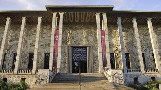 Perspective du Musée de l'histoire de l'immigration de la Porte Dorée à Paris.