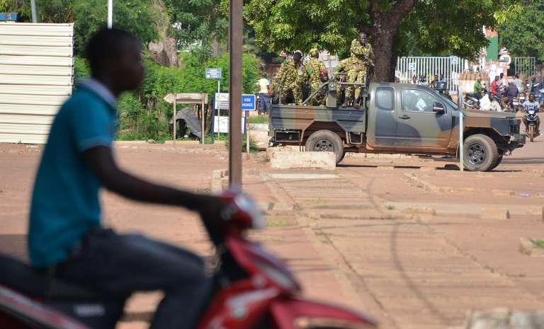 Une patrouille militaire à Ouagadougou, le 17 septembre.
