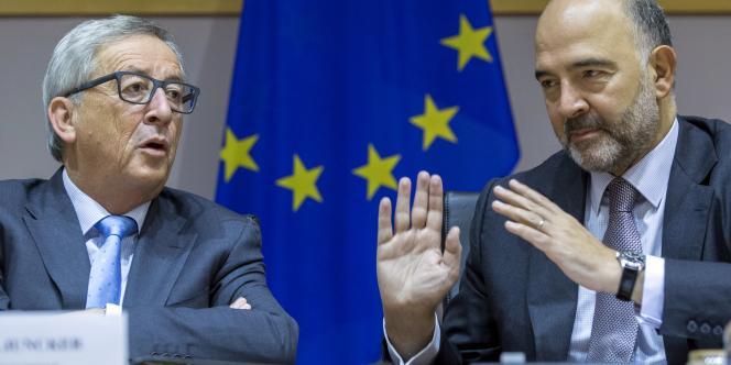 Jean-Claude Juncker, président de la Commission européenne, et Pierre Moscovici, commissaire européen aux affaires européennes, en septembre 2015.