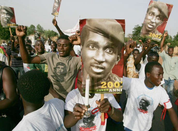 Des partisans de Thomas Sankara commémore sa disparition en octobre 2007.