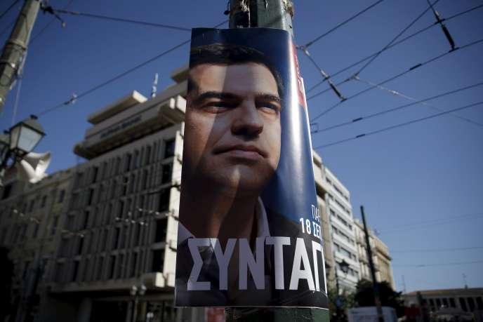 Une affiche de Syriza, à Athènes, en Grèce, le 18 septembre. Le parti de la gauche radicale est crédité de 30 % des intentions de vote selon les derniers sondages.
