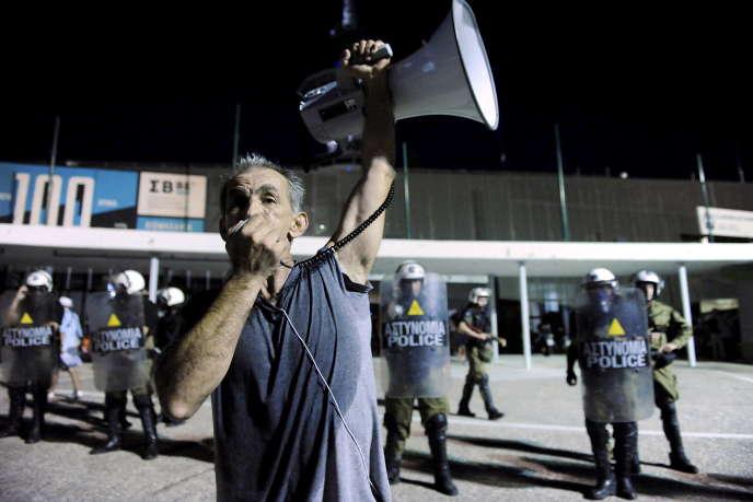 Lors d'une manifestation au nord de Thessalonique, en Grèce, le 5 septembre 2015.
