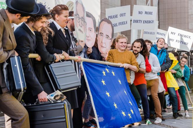 Des défenseurs de l'environnement ont manifesté à Bruxelles, vendredi 18septembre.