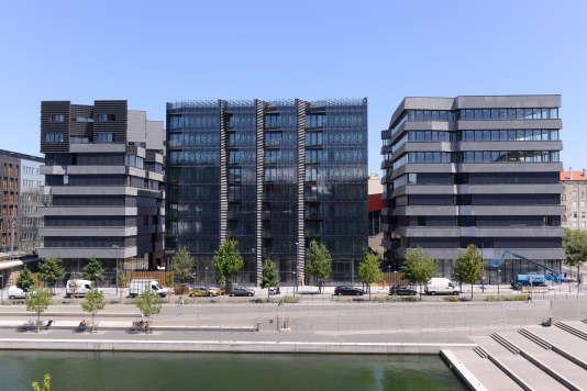 Vue d'ensemble des trois immeubles. Juin 2015