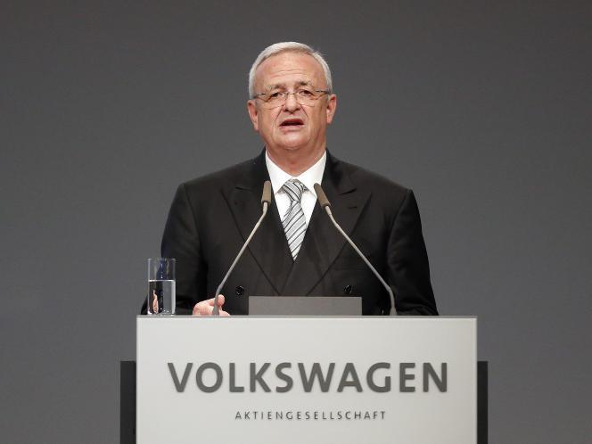 « Je regrette personnellement, et profondément, que nous ayons déçu la confiance de nos clients et du public », a déclaré Martin Winterkorn, le patron du constructeur allemand, au siège du groupe à Wolfsburg.