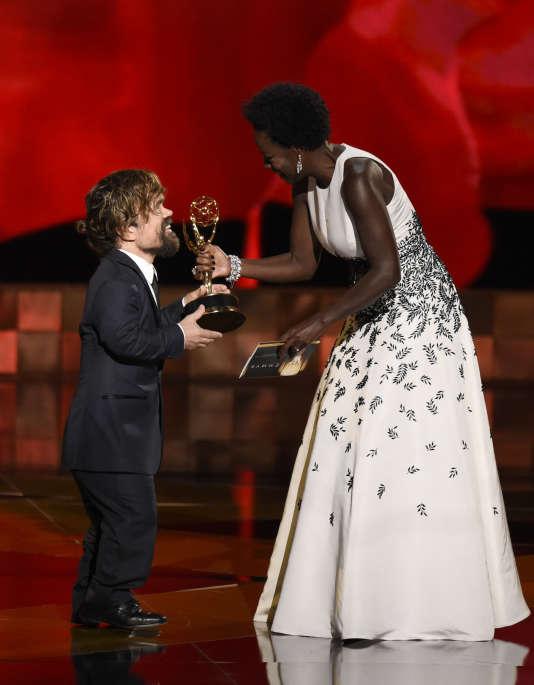 Viola Davis et Peter Dinklage lors de la 67e édition des Emmy Awards on Sunday, le 20 septembre.