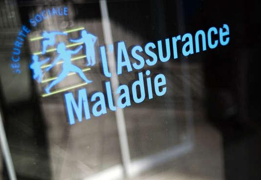 Le Sénat a demandé au gouvernement que soit organisé un échange automatique d'informations entre le Centre national du CESU et les caisses d'assurance-maladie.