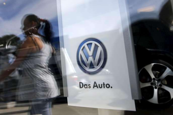 Dimanche 20 septembre, Volkswagen a reconnu avoir trompé les contrôleurs américains sur les niveaux d'émissions polluantes de ses véhicules diesel produits aux Etats-Unis.