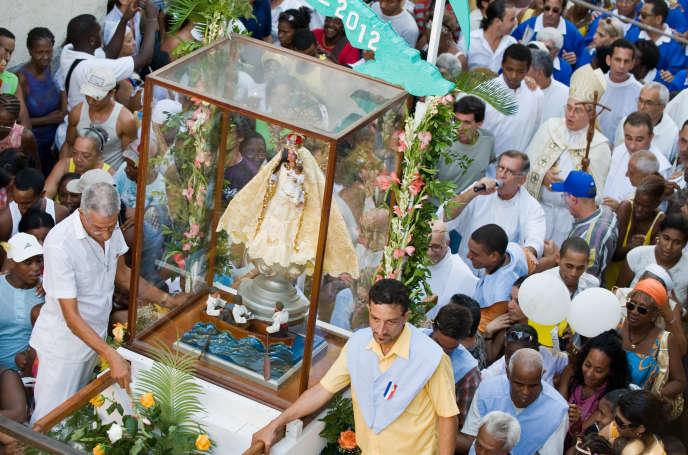 Procession de la Vierge de la charité du cuivre, en 2009 à La Havane.