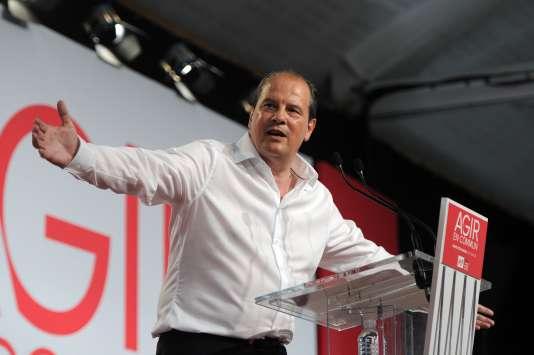 Le premier secrétaire du parti, Jean-Christophe Cambadélis, a proposé une consultation du « peuple de gauche » sur une union des listes aux régionales de décembre.