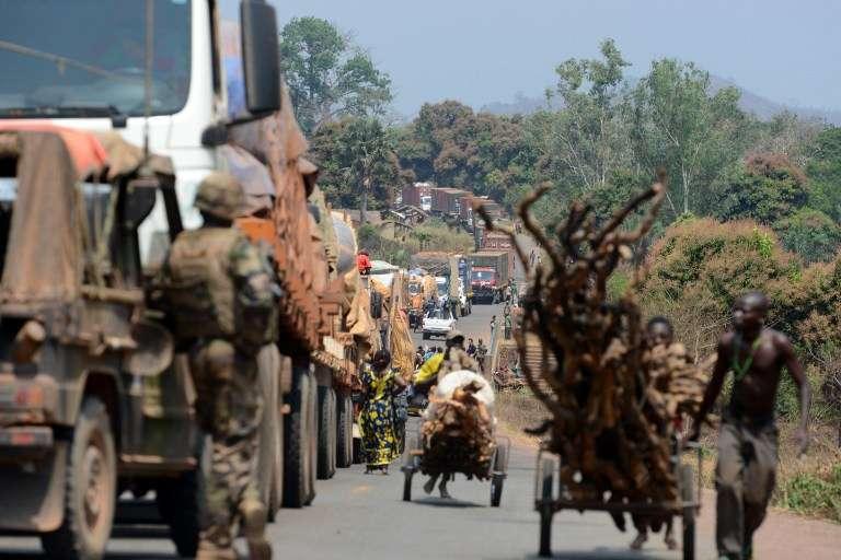 Sur une route de Centrafrique, près de Bangui, en 2014.