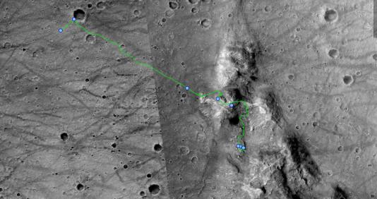 """Le cheminement de Spirit, connu également sous le nom de Mars Exploration Rover de 2004 à 2009, jusqu'à son immobilisation à """"Troy"""". Depuis 2010, toute communication est perdue avec la petite astromobile."""