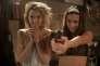 """Ana de Armas et Lorenza Izzo dans le film américain d'Eli Roth, """"Knock Knock""""."""
