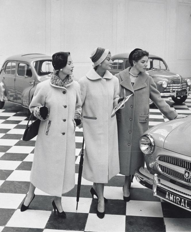 Contrairement à ce que suggère cette image diffusée par Renault, la Frégate, lourde et difficile à manœuvrer, n'était pas très prisée par les femmes.