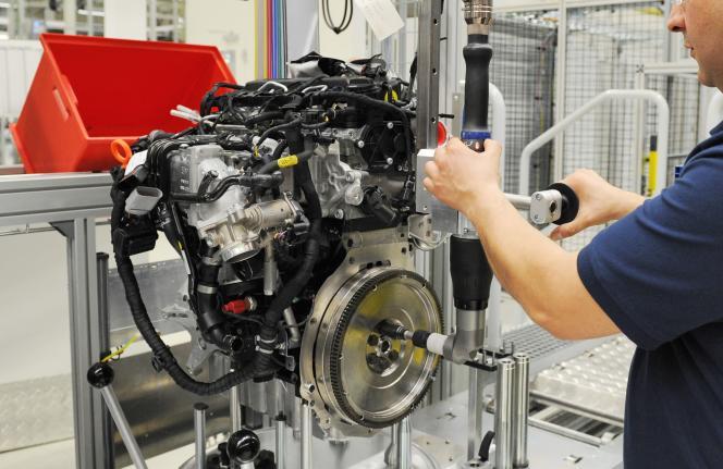 Un moteur diesel Volkswagen en test dans une usine du groupe à Salzgitter en Allemagne en juin 2012.