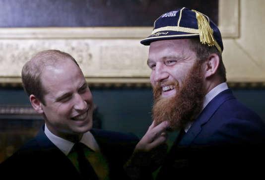 Le prince William et le Gallois Jake Ball, le 21 septembre à Londres.