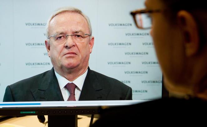 Le PDG de Volkswagen, Martin Winterkorn, dont la démission a été évoquée par la presse allemande, a pris la parole en fin d'après-midi pour présenter ses excuses et dire qu'il ne démissionnerait pas pour autant