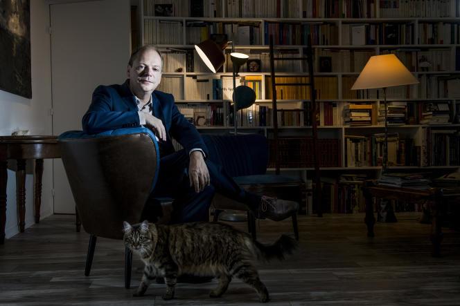 L'historien Patrick Boucheron,  chez lui, à Paris, le 14 septembre.