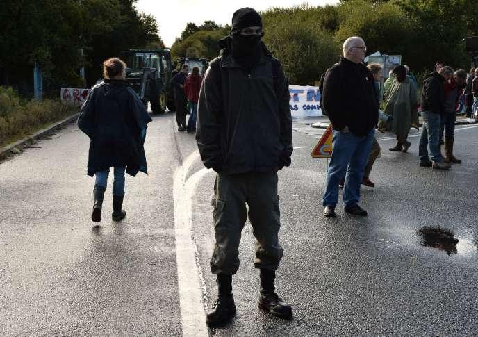 Des opposants au projet de l'aéroport Grand Ouest, le 22 septembre à Notre-Dame-des-Landes.