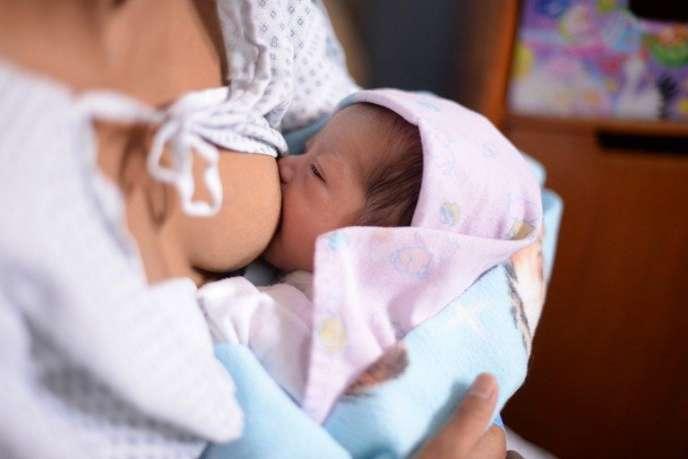 Une étude confirme la courte durée d'allaitement en France, à l'encontre des recommandations de l'OMS.