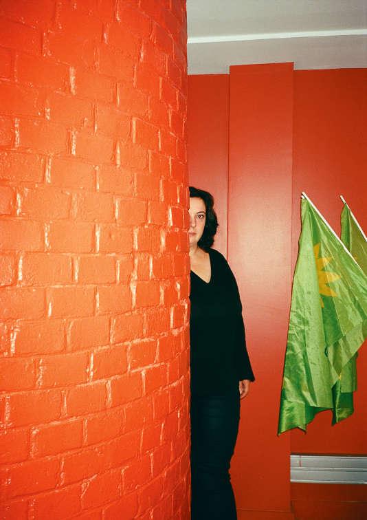 Emmanuelle Cosse le 14 septembre 2015 au siège d'Europe Ecologie-Les Verts, dans le 10e arrondissement parisien.