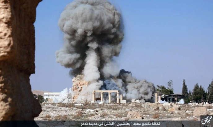 Une image de la destruction par le groupe Etat islamique du temple de Baalshamin, à Palmyre.