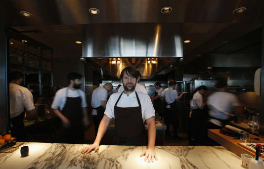 """Après avoir sillonné la planète pour promouvoir sa cuisine (ici au Mandarin Oriental de Tokyo en février), le chef René Redzepi va transformer son restaurant Noma en """"ferme urbaine"""" et le délocaliser dans un quartier verdoyant de Copenhague."""