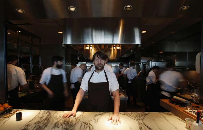 Après avoir sillonné la planète pour promouvoir sa cuisine (ici au Mandarin Oriental de Tokyo en février), le chef René Redzepi va transformer son restaurant Noma en