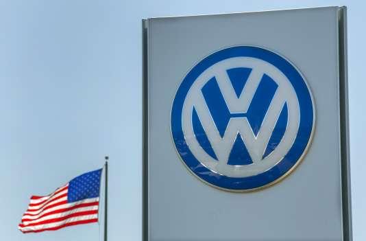 Enseigne d'un concessionnaire Volkswagen à San Diego, aux Etats-Unis, le 23 septembre.