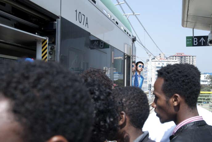 Le tramway d'Addis-Abeba est entré en fonction le 20 septembre 2015.
