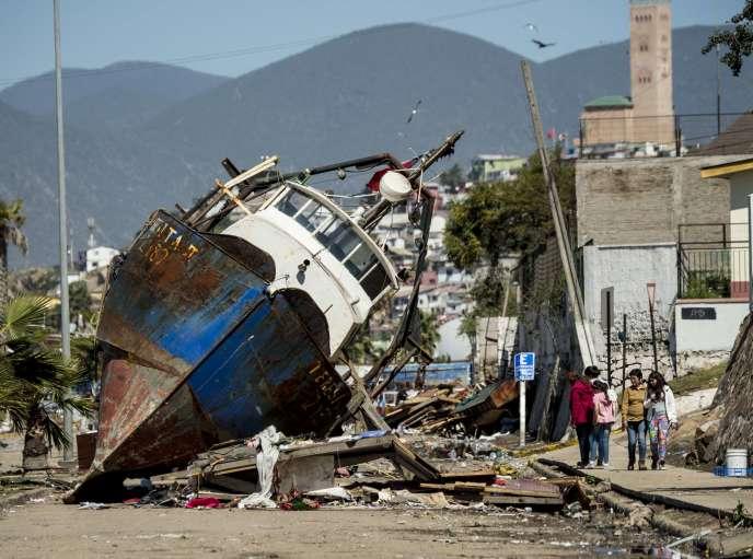 Dans les rues de Coquimbo,  après le séisme du 16septembre.