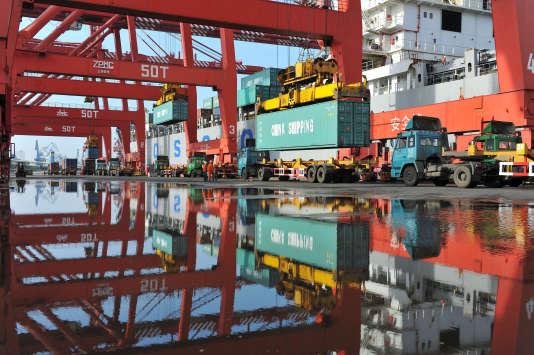 Après avoir ralenti à 7,3 % en 2014, la croissance chinoise devrait glisser cette année à « environ 7 % », selon le gouvernement; ce qui serait son plus faible niveau depuis un quart de siècle.