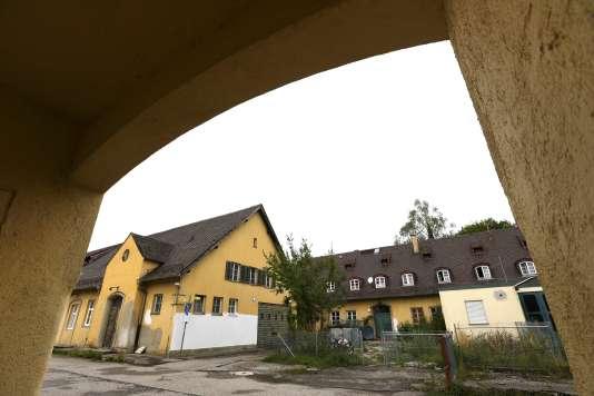 A Dachau, des réfugiés ont été logés dans  une des dépendances de l'ex-camp de concentration.