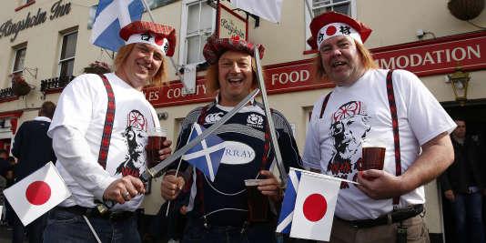 Des supporteurs du match Ecosse-Japon, le 23 septembre à Gloucester.