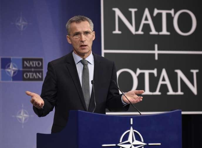 Le sécrétaire général de l'OTAN, Jens Stoltenberg, se dit « préoccupé » par des frappes russes en Syrie qui « n'étaient pas dirigées contre l'Etat islamique » selon les rapports dont l'Alliance dispose.